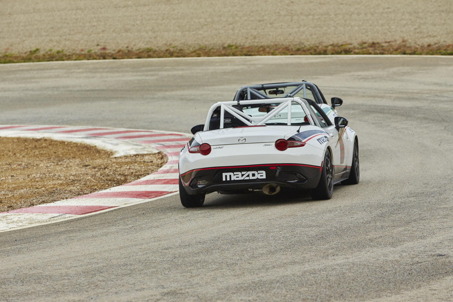 Mazda_MX-5_cup_2016_Claves_DM_9