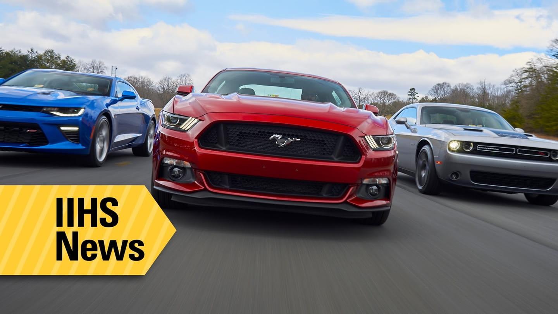 Rápidos pero ¿Inseguros? Mustang, Camaro y Challenger pasan por el crash-test del IIHS