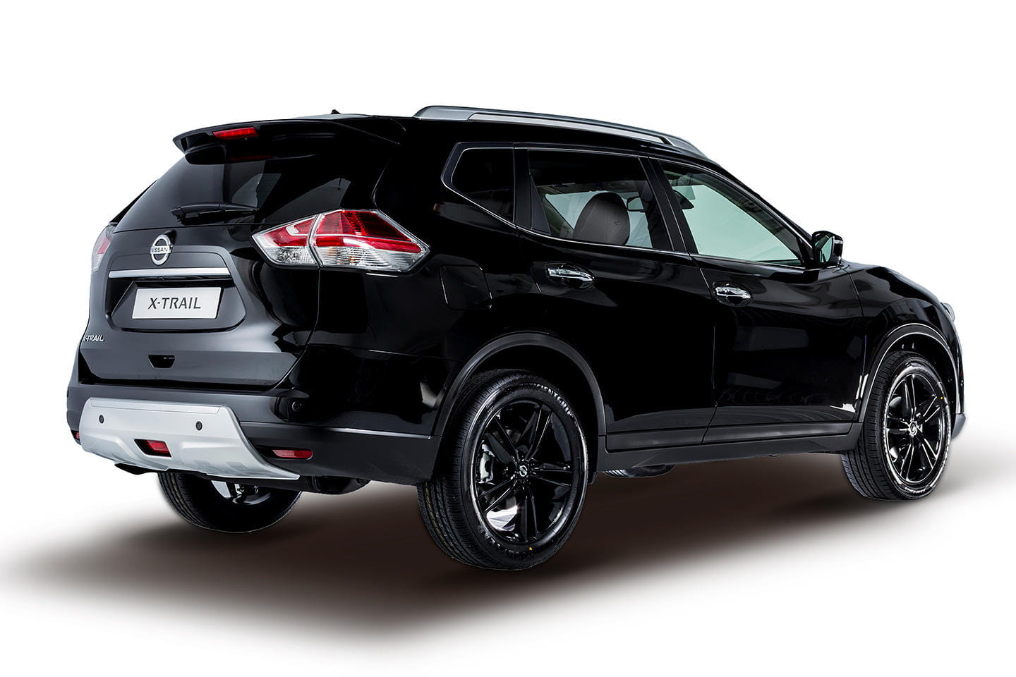 nissan qashqai y x trail black edition los crossover de nissan quieren ser premium foto 13 de 15. Black Bedroom Furniture Sets. Home Design Ideas