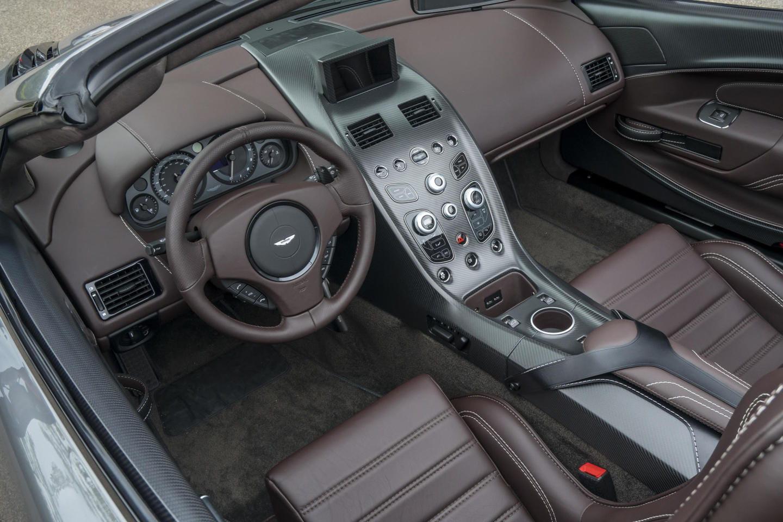 aston_martin_vantage_gt12_roadster_DM_3