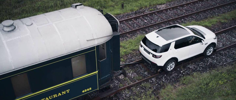 ¿Es de verdad tan impresionante que un Land Rover Discovery Sport arrastre un tren de 100 toneladas?