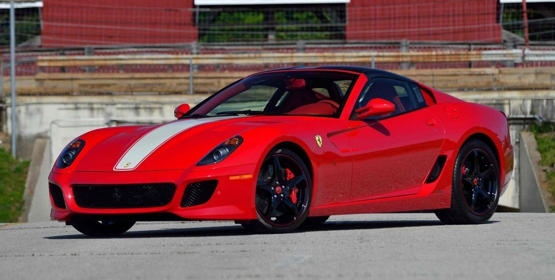 ¿A qué esperas? Un extraño Ferrari 599 SA Aperta está en venta