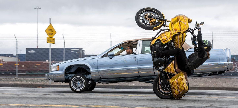 Harleys, lowriders y acrobacias: el mejor vídeo que verás hoy es <em>The Unknown Ride</em
