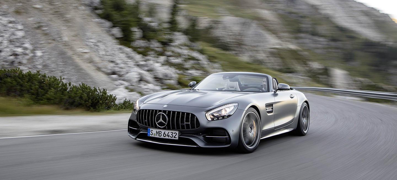 ¿A qué suena el V8 de 557 CV de un Mercedes-AMG GT C Roadster sin capota? Escúchalo en vídeo…
