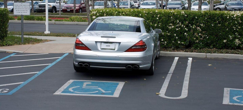 ¿Por qué Steve Jobs conducía un Mercedes SL 55 AMG sin matricular (y ya no va a ser posible imitarle)?