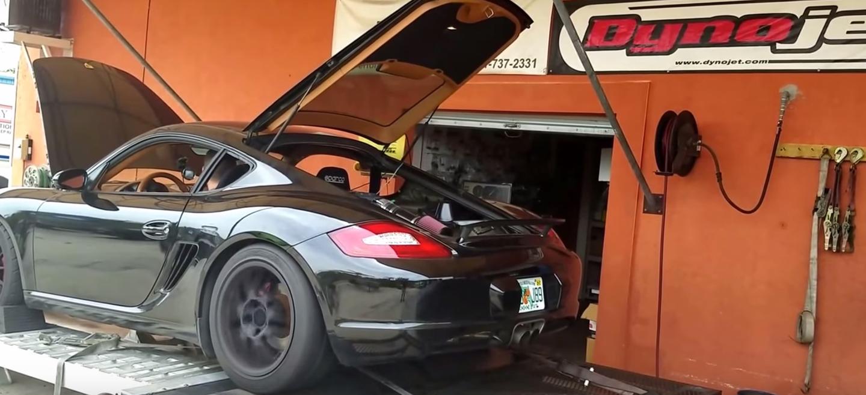 ¿Un Porsche Cayman con el V8 de un Ford Mustang? La locura que no esperabas ver hoy