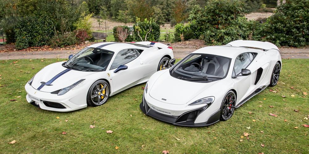 """""""Pack indivisible"""": estos Ferrari 458 Speciale y McLaren 675LT se venden únicamente en pareja (y son preciosos)"""