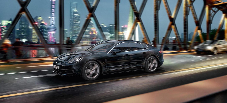 El nuevo Porsche Panamera estrena versión de acceso con 330 CV y opción de tracción trasera