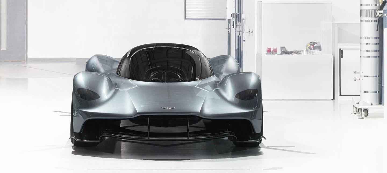 7 nuevas claves que debes saber sobre el Aston Martin RB-001: llegará en 2018 con un V12 atmosférico, KERS, no tendrá retrovisores…