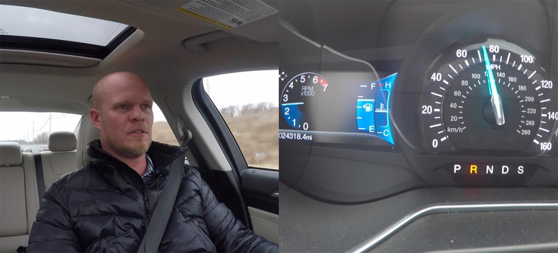 Locura del día: ¿qué sucede si introduces la marcha atrás a más de 110 km/h? (ver vídeo)