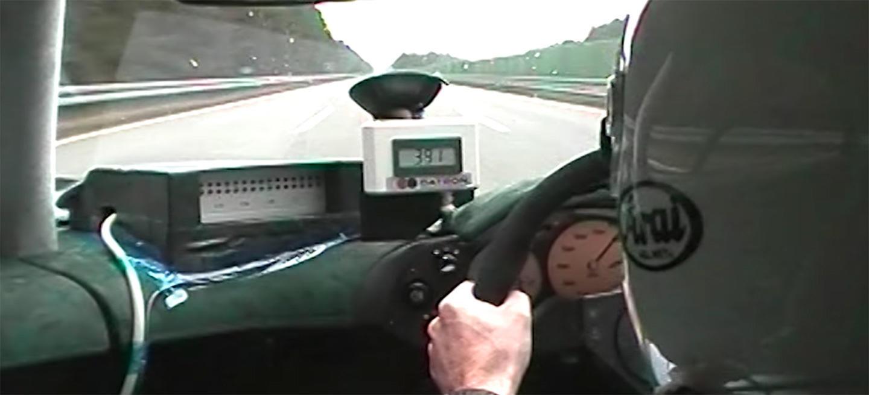 Espectacular: el vídeo del día nos enseña cómo el McLaren F1 acarició los 390 km/h, ¡hace más de 20 años!