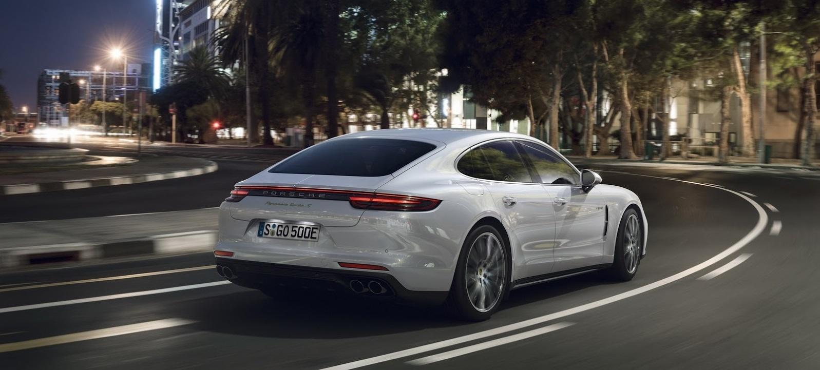 El Porsche más potente de la gama no es un biplaza: ¡saluda al nuevo Panamera Turbo S E-Hybrid y sus 680 CV!