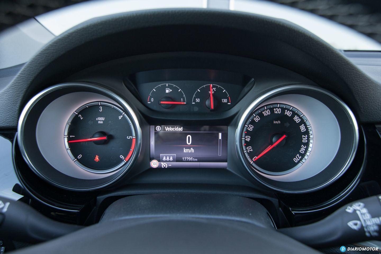 100 Opel Astra 2004 Interior