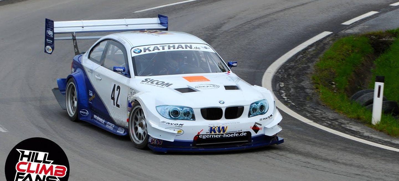El mejor vídeo que verás hoy: un BMW Serie 1 con motor de prototipo de Le Mans, a fuego en un ascenso