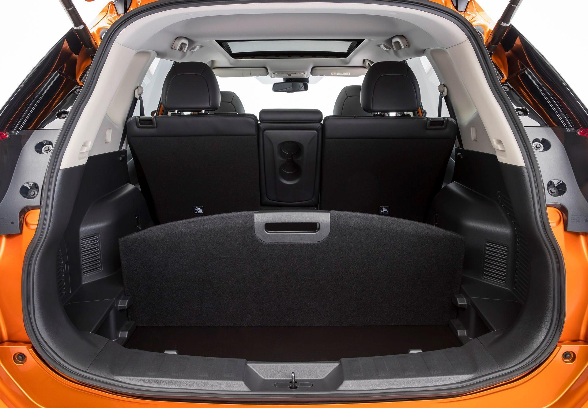 nissan x trail 2018 lavado de cara y m s tecnolog a para el todocamino superventas de nissan. Black Bedroom Furniture Sets. Home Design Ideas