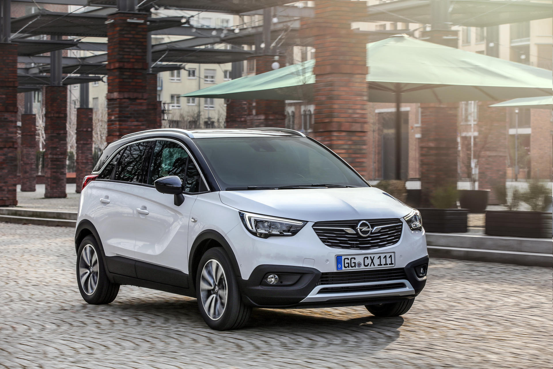 todos los precios del opel crossland x la alternativa de opel al seat arona desde. Black Bedroom Furniture Sets. Home Design Ideas