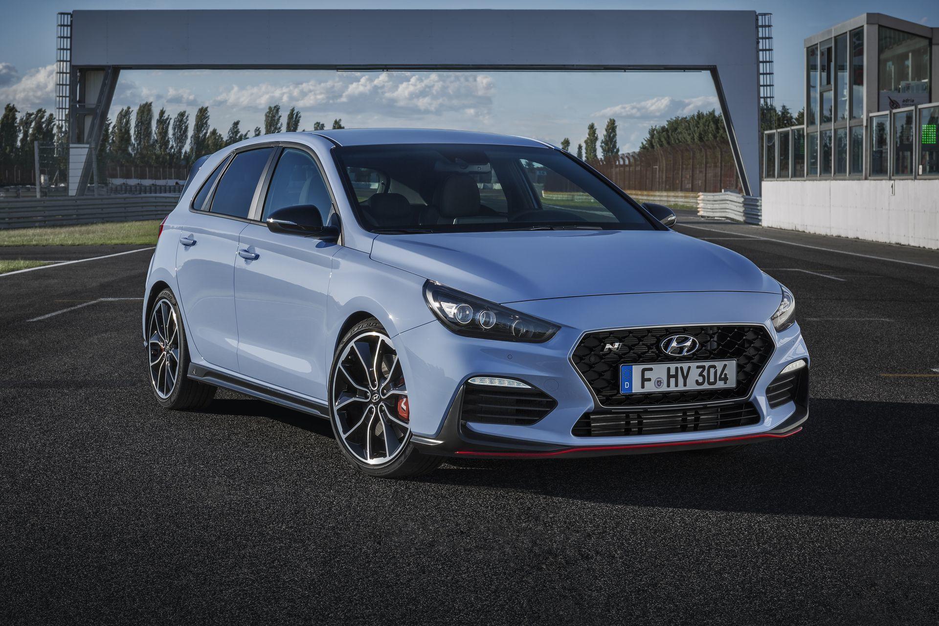 En Alemania ya se han vendido los 100 primeros Hyundai i30 N, la alternativa coreana al SEAT León Cupra