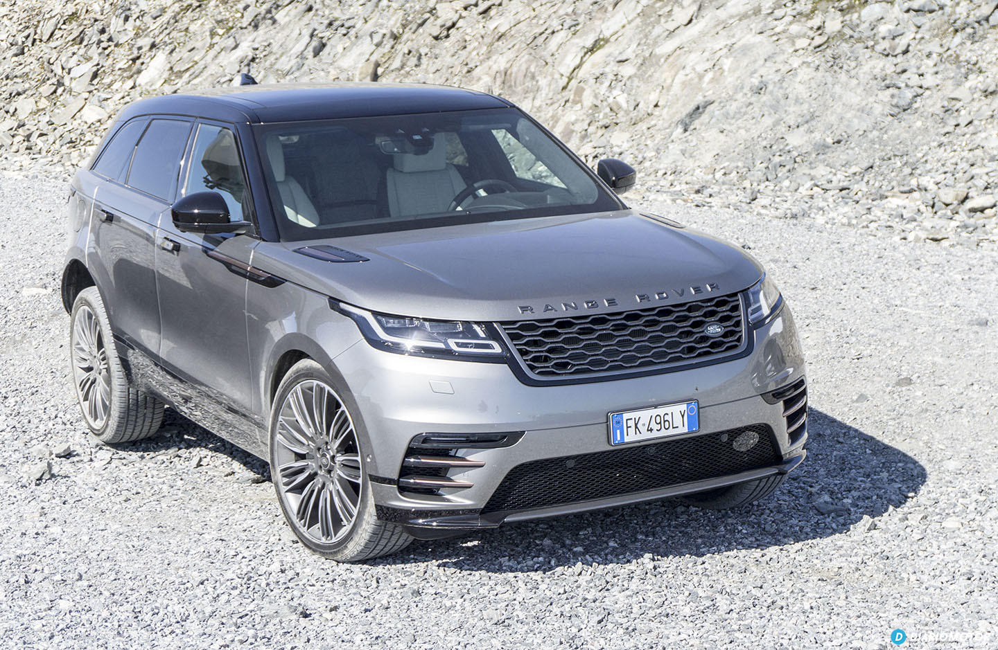 range rover velar archives amaxofilia. Black Bedroom Furniture Sets. Home Design Ideas