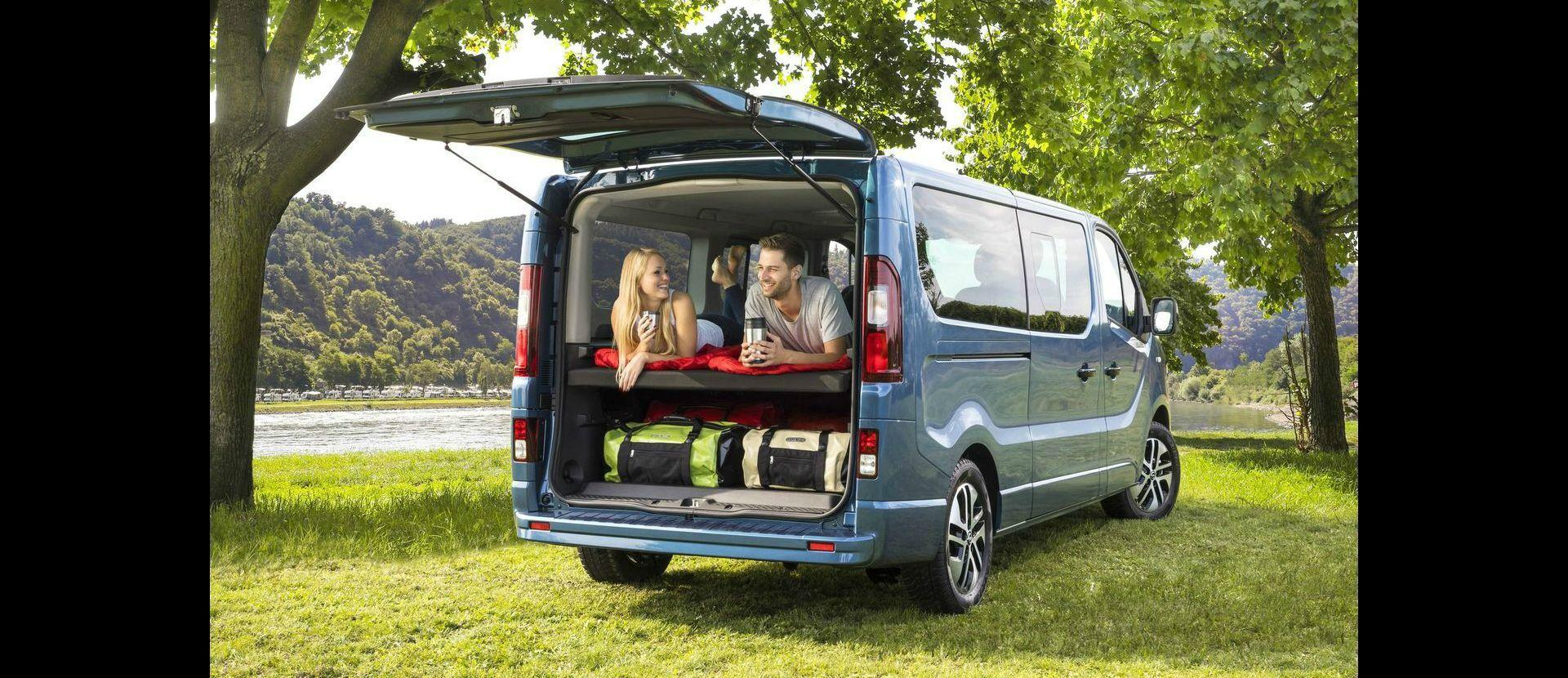 opel vivaro life est la volkswagen california de opel a la altura de su competencia. Black Bedroom Furniture Sets. Home Design Ideas