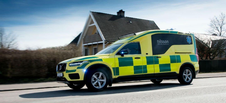 volvo_xc90_ambulancia_p.jpg