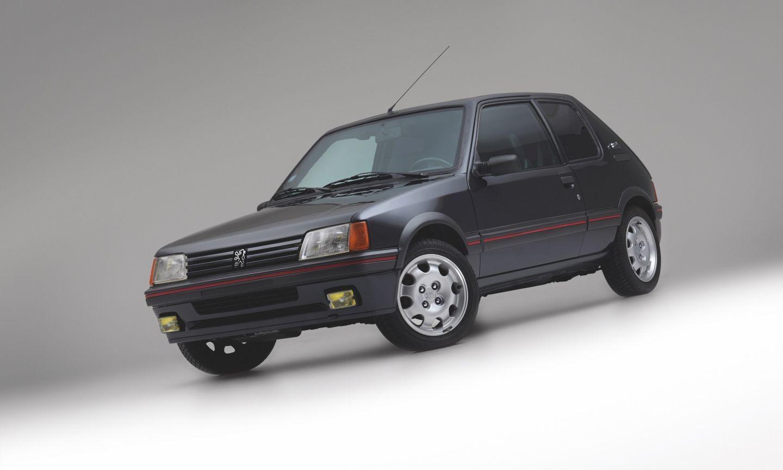 Peugeot 205 Blindado 1
