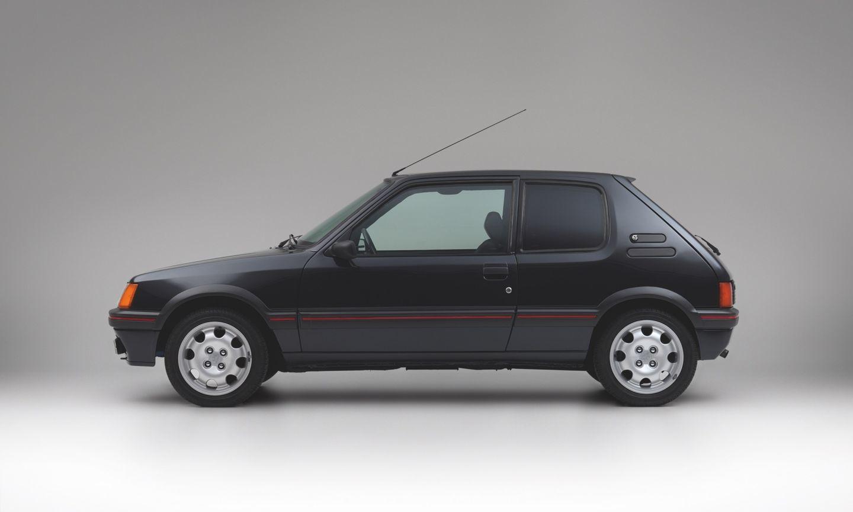 Peugeot 205 Blindado 4