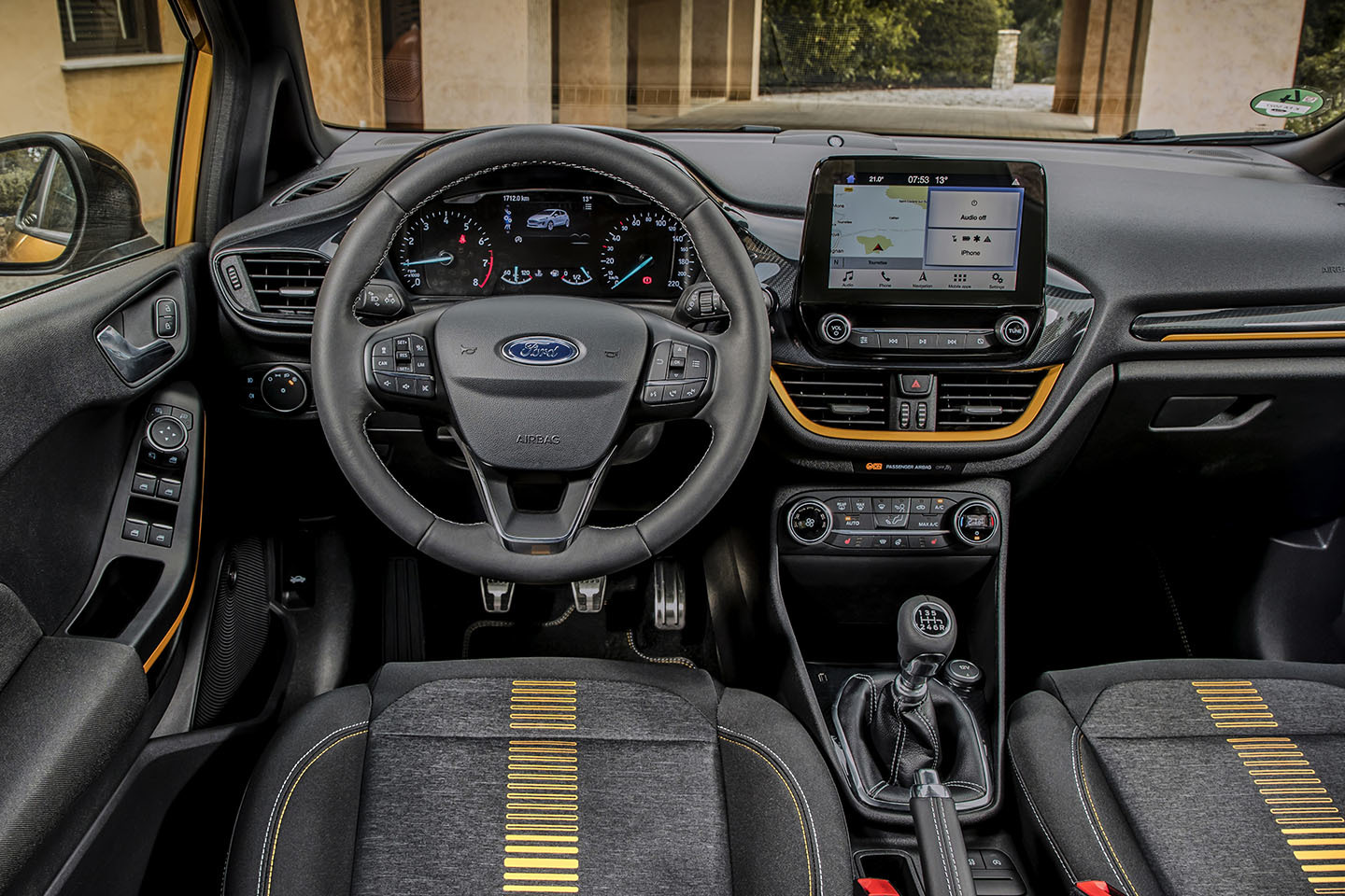 Ford Fiesta Active 2018 05