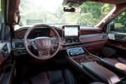 Lincoln Navigator 2018 2 thumbnail