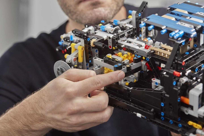 Bugatti Chiron Lego 0618 015