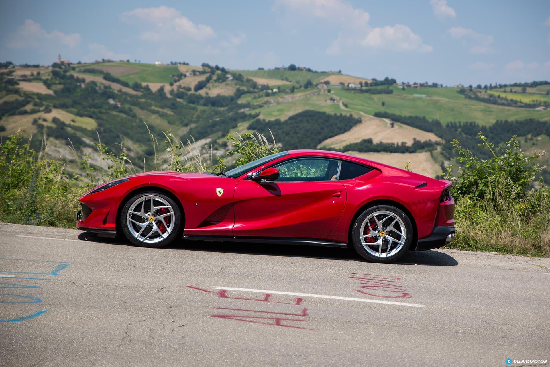 Ferrari 812 Superfast Exterior 00020