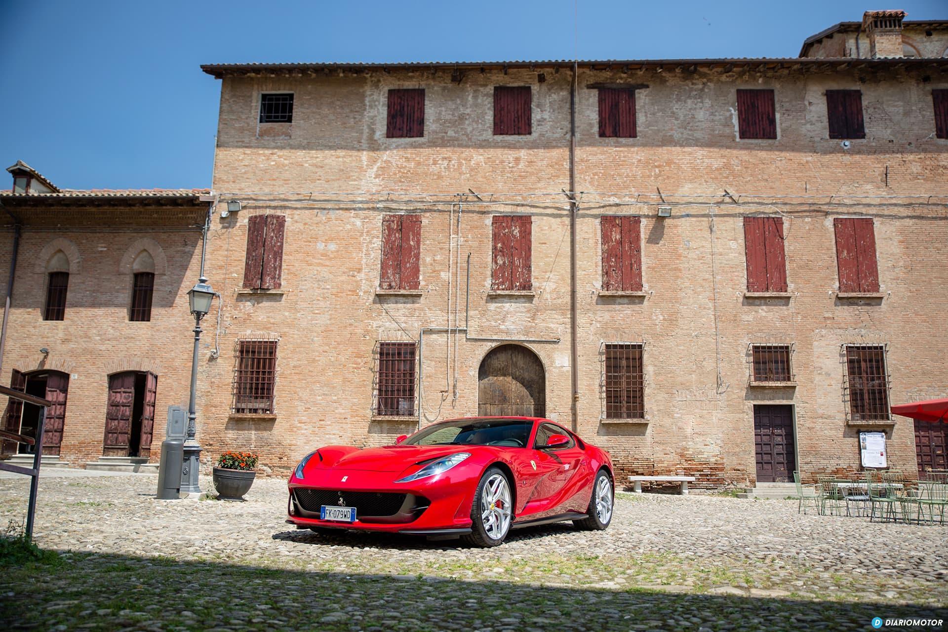 Ferrari 812 Superfast Exterior 00024