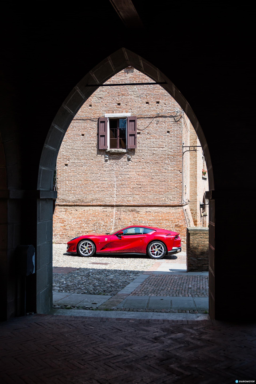 Ferrari 812 Superfast Exterior 00025
