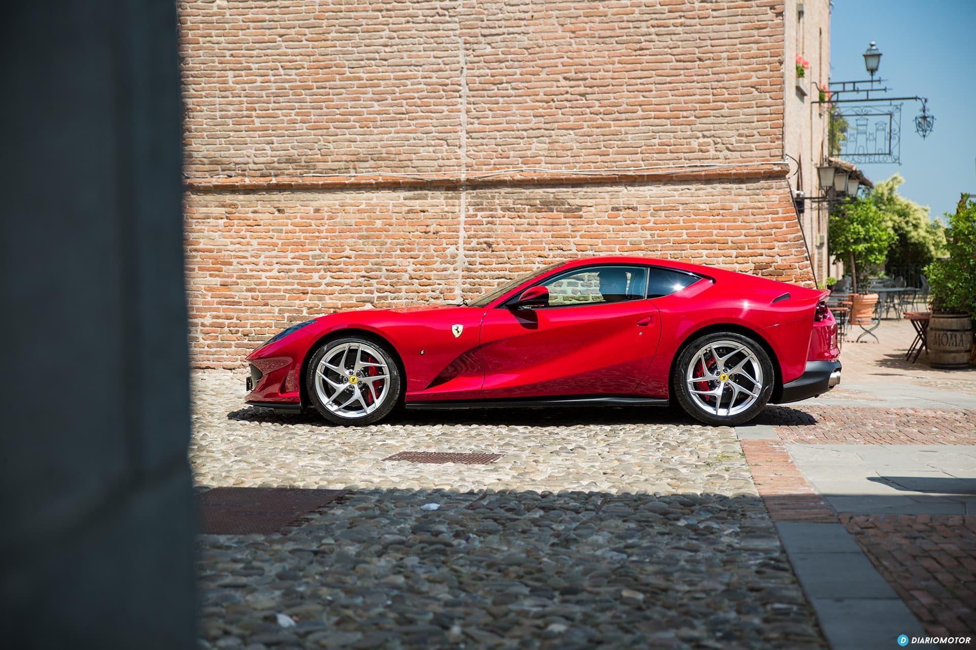 Ferrari 812 Superfast Exterior 00026