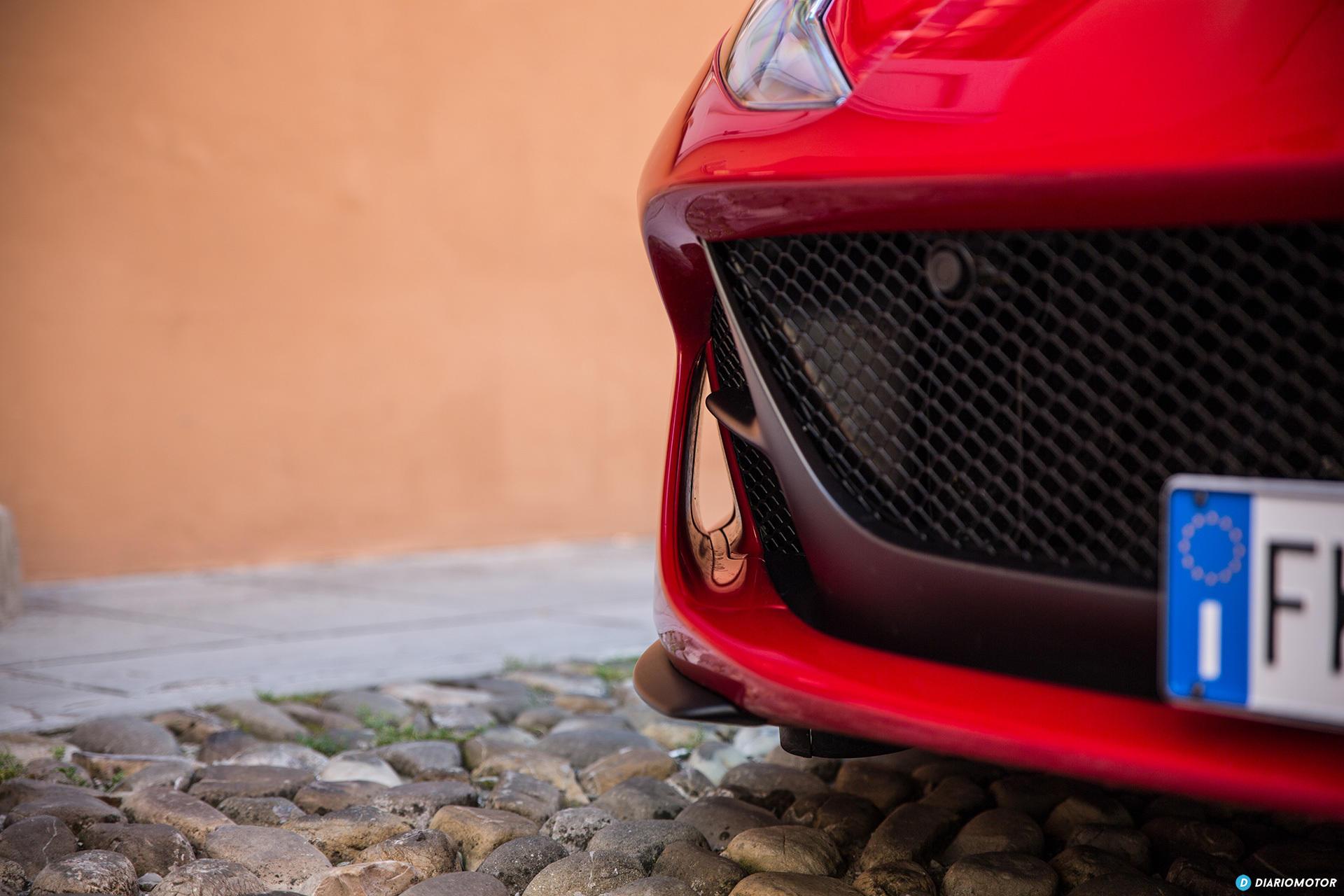 Ferrari 812 Superfast Exterior 00034