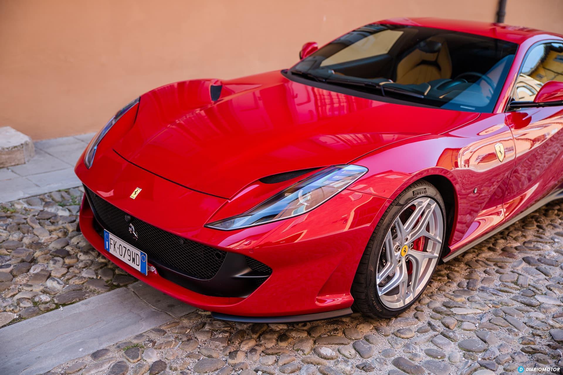 Ferrari 812 Superfast Exterior 00035