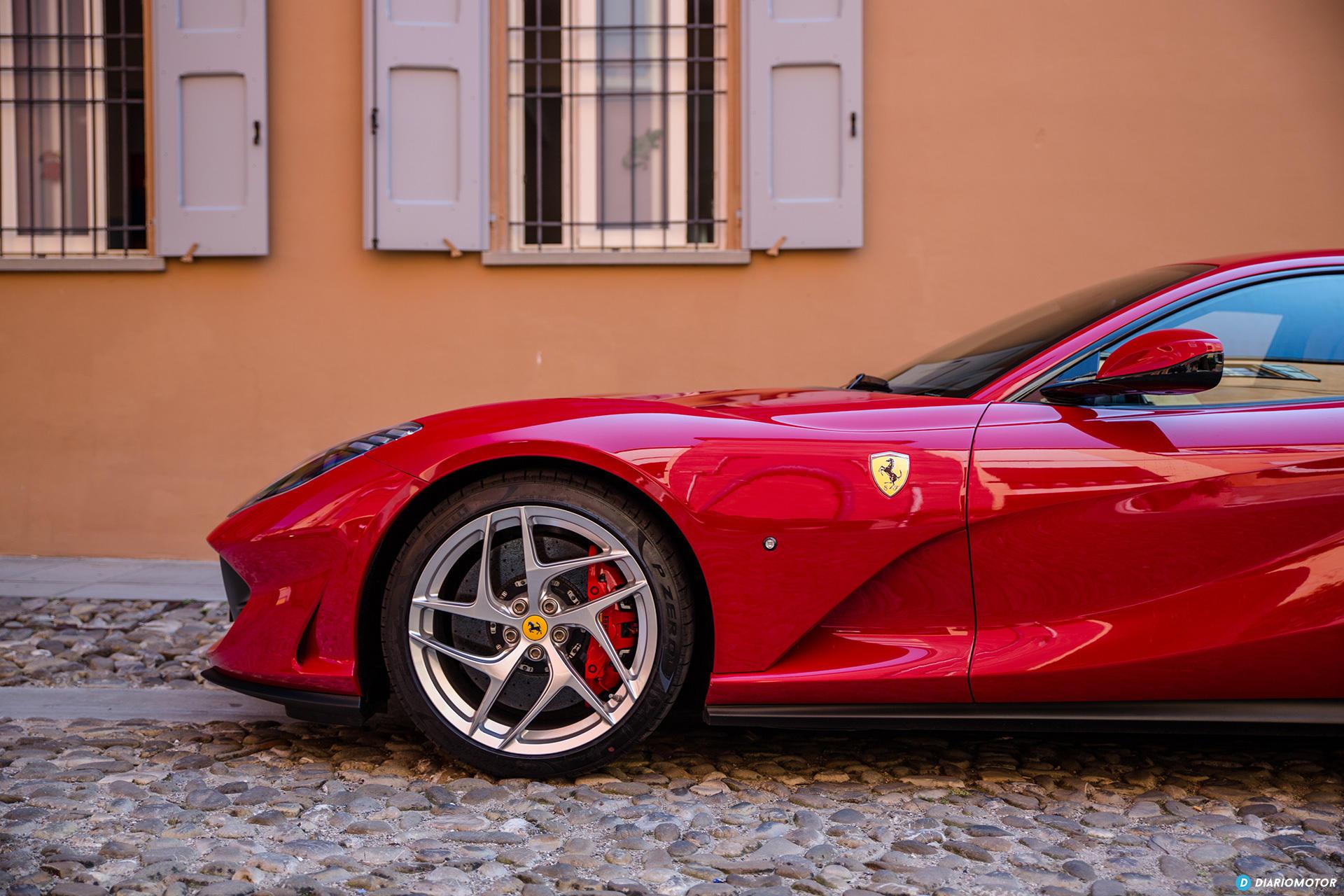 Ferrari 812 Superfast Exterior 00038