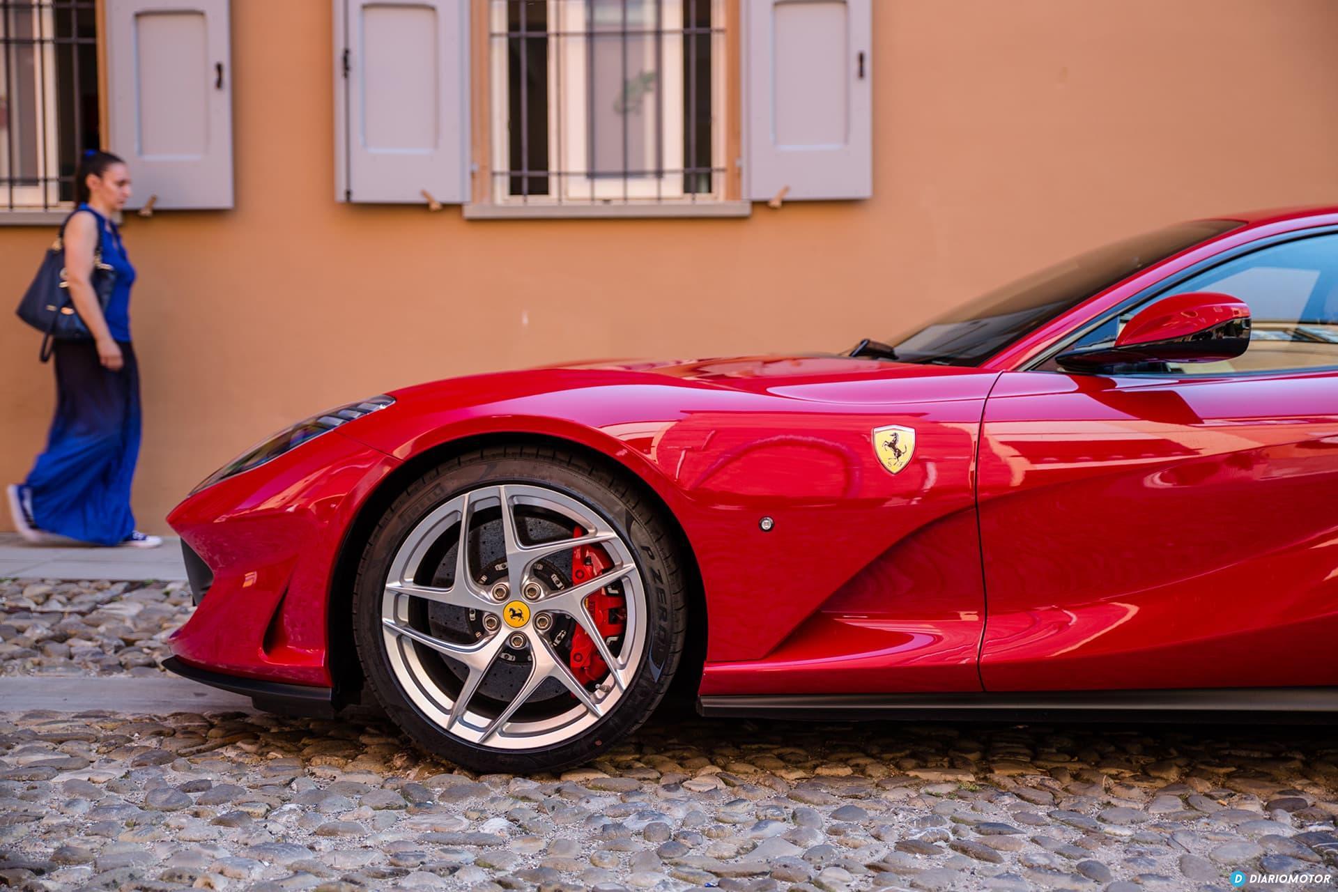 Ferrari 812 Superfast Exterior 00039