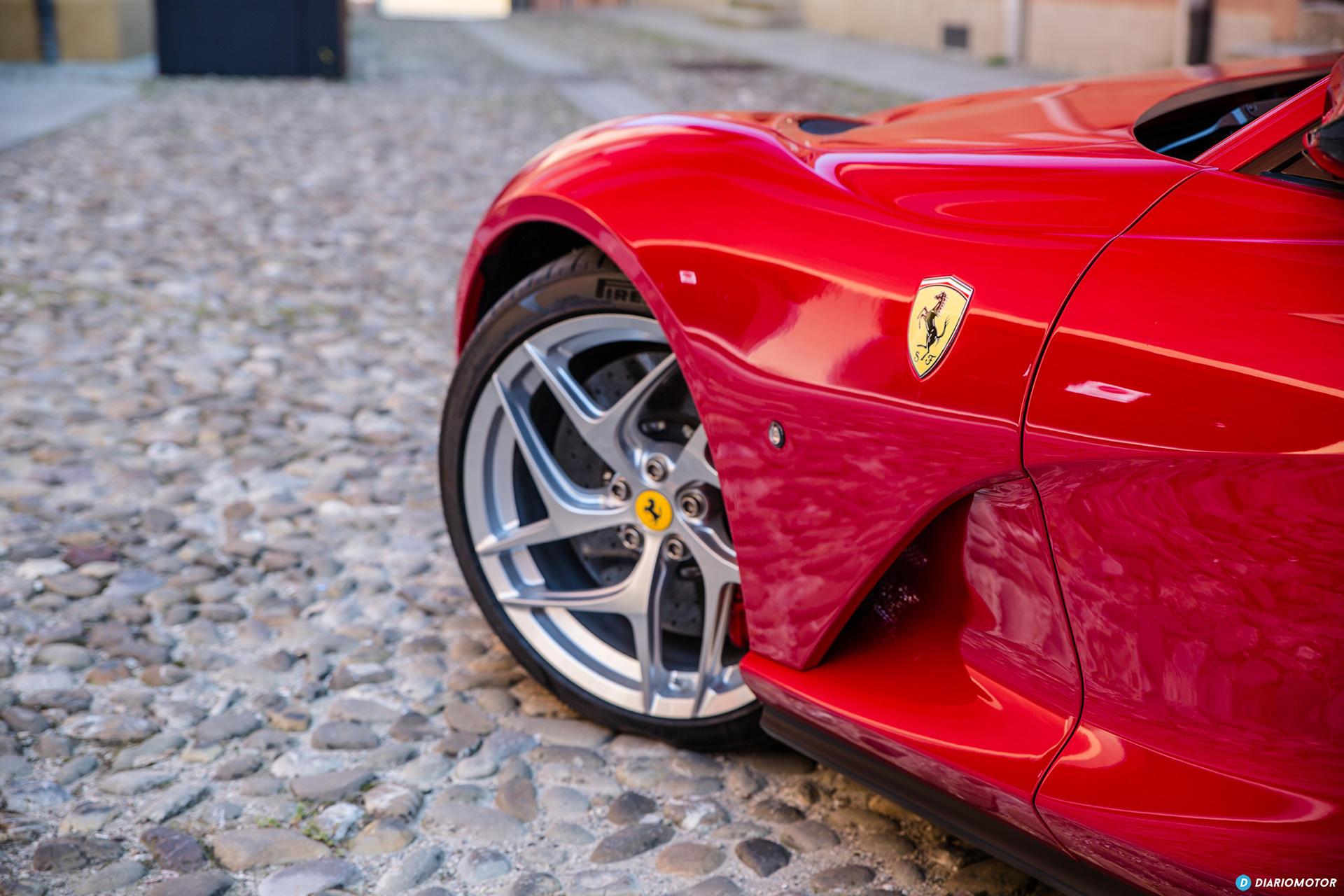 Ferrari 812 Superfast Exterior 00043