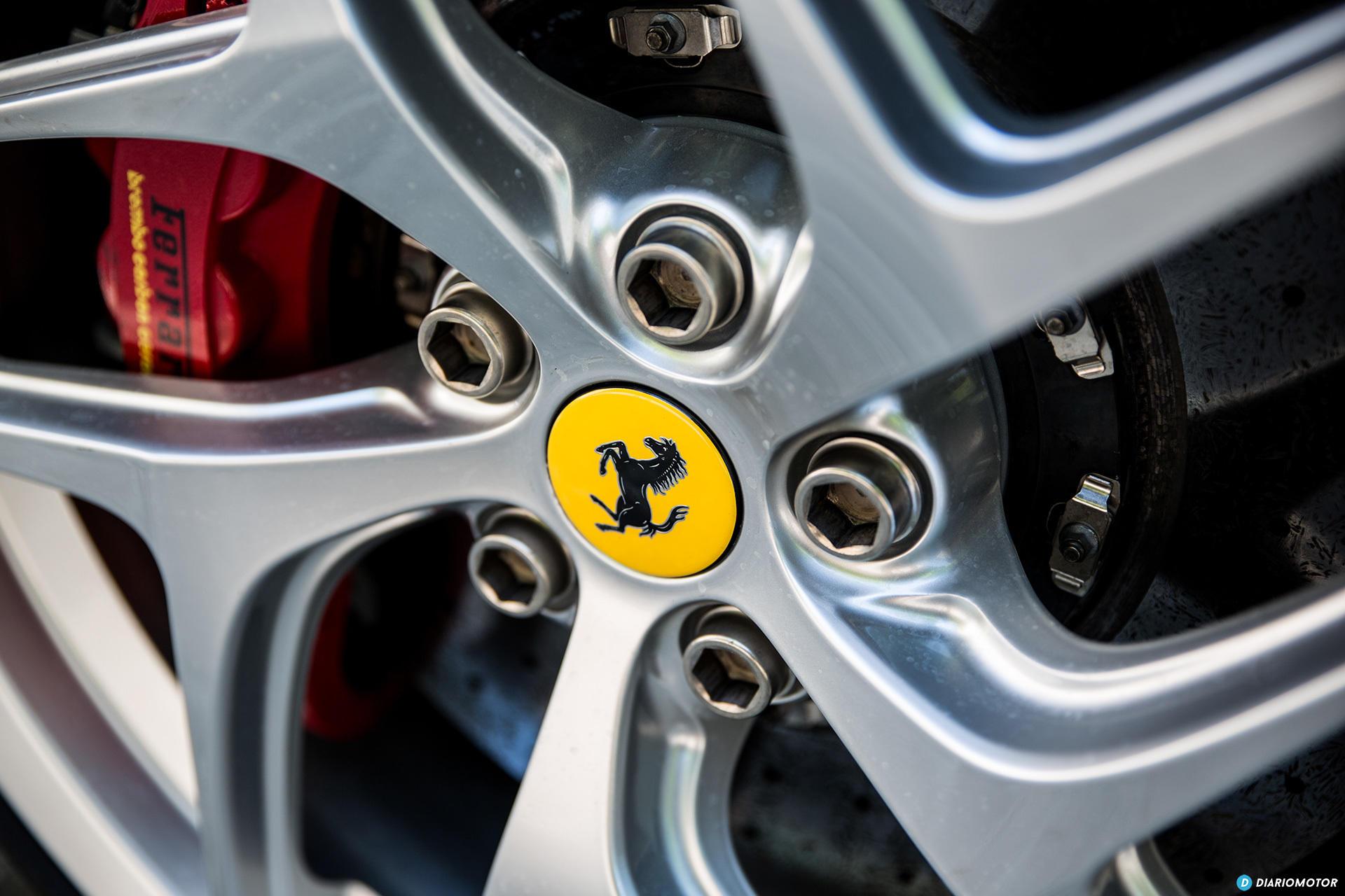Ferrari 812 Superfast Exterior 00045