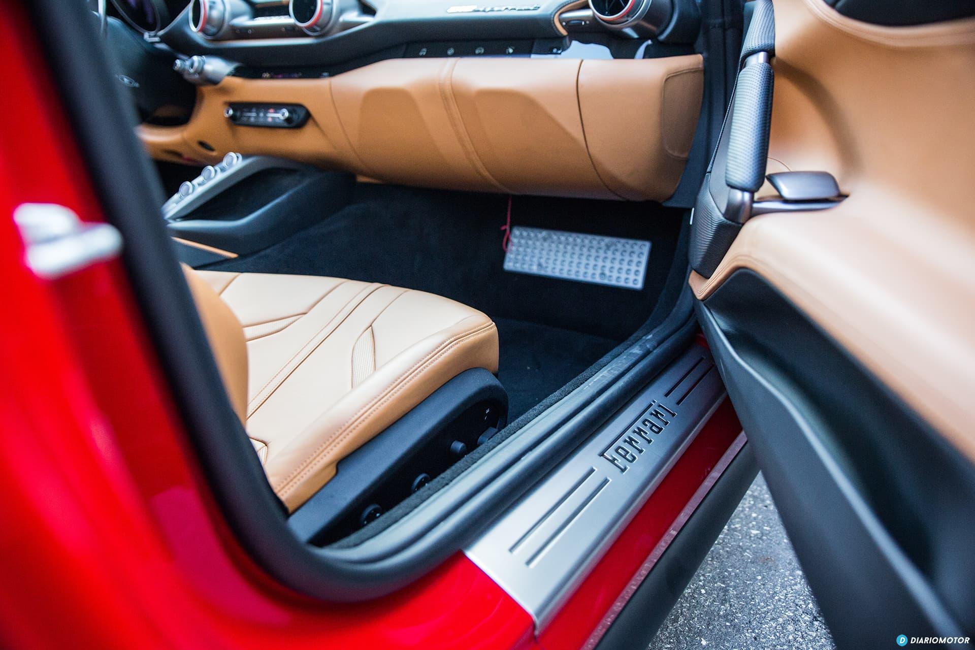 Ferrari 812 Superfast Interior 00003
