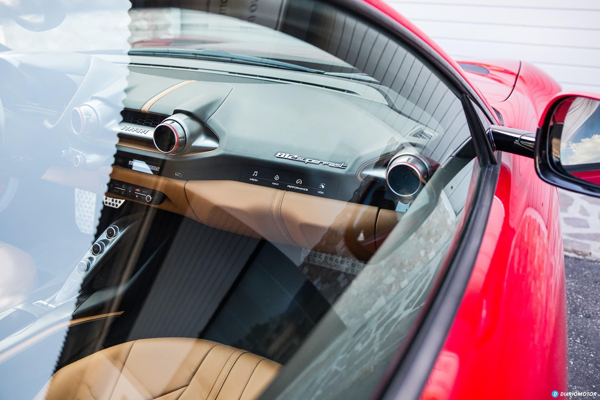 Ferrari 812 Superfast Interior 00004