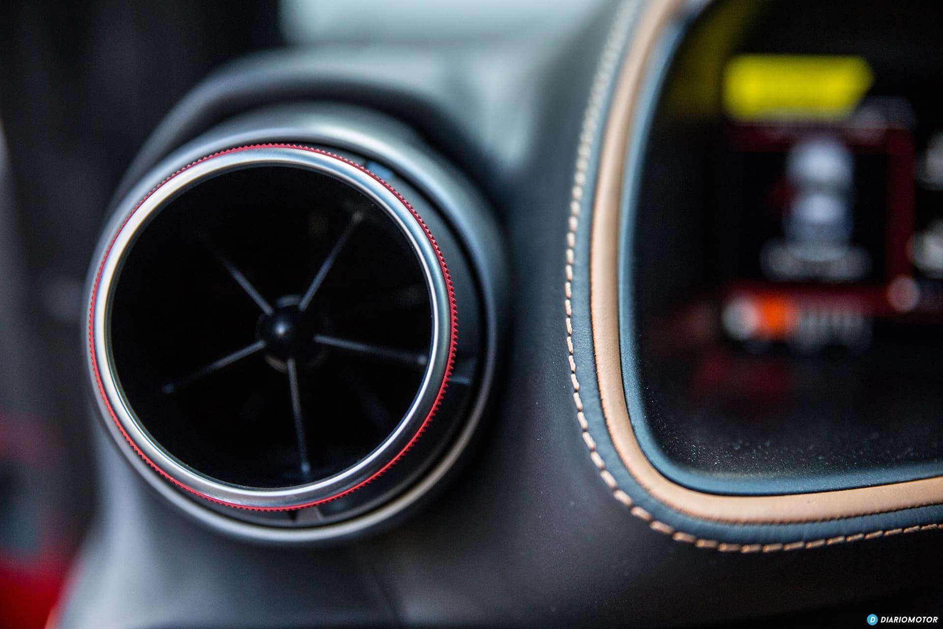 Ferrari 812 Superfast Interior 00010
