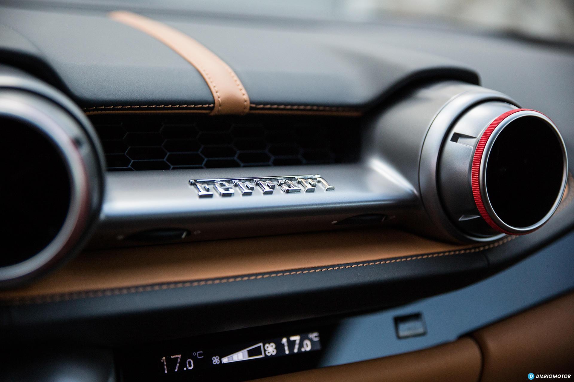 Ferrari 812 Superfast Interior 00012
