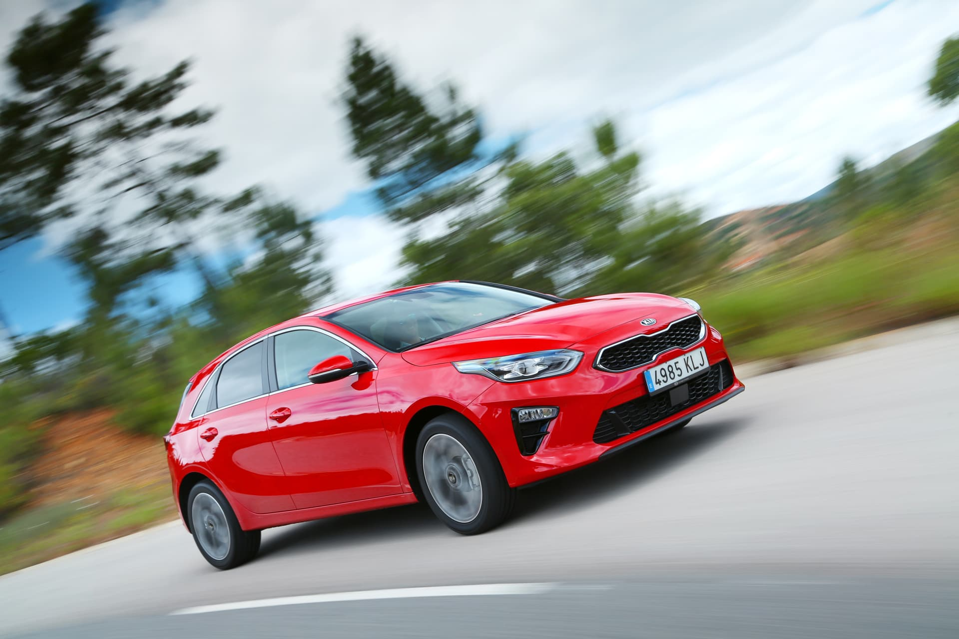 Kia Ceed 1 4 T Gdi 7 Dct Transmission 140hp Track Red 10