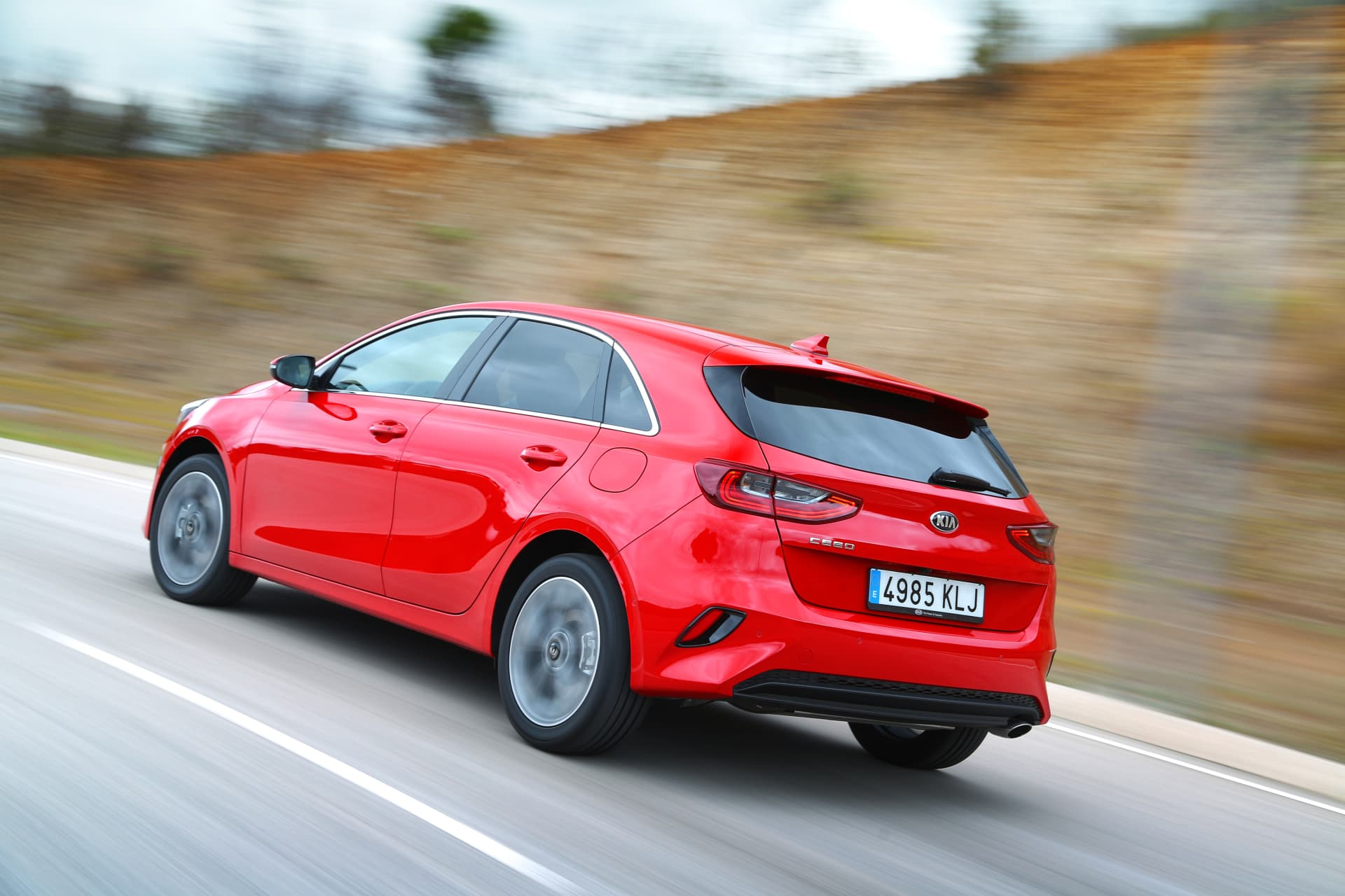 Kia Ceed 1 4 T Gdi 7 Dct Transmission 140hp Track Red 15