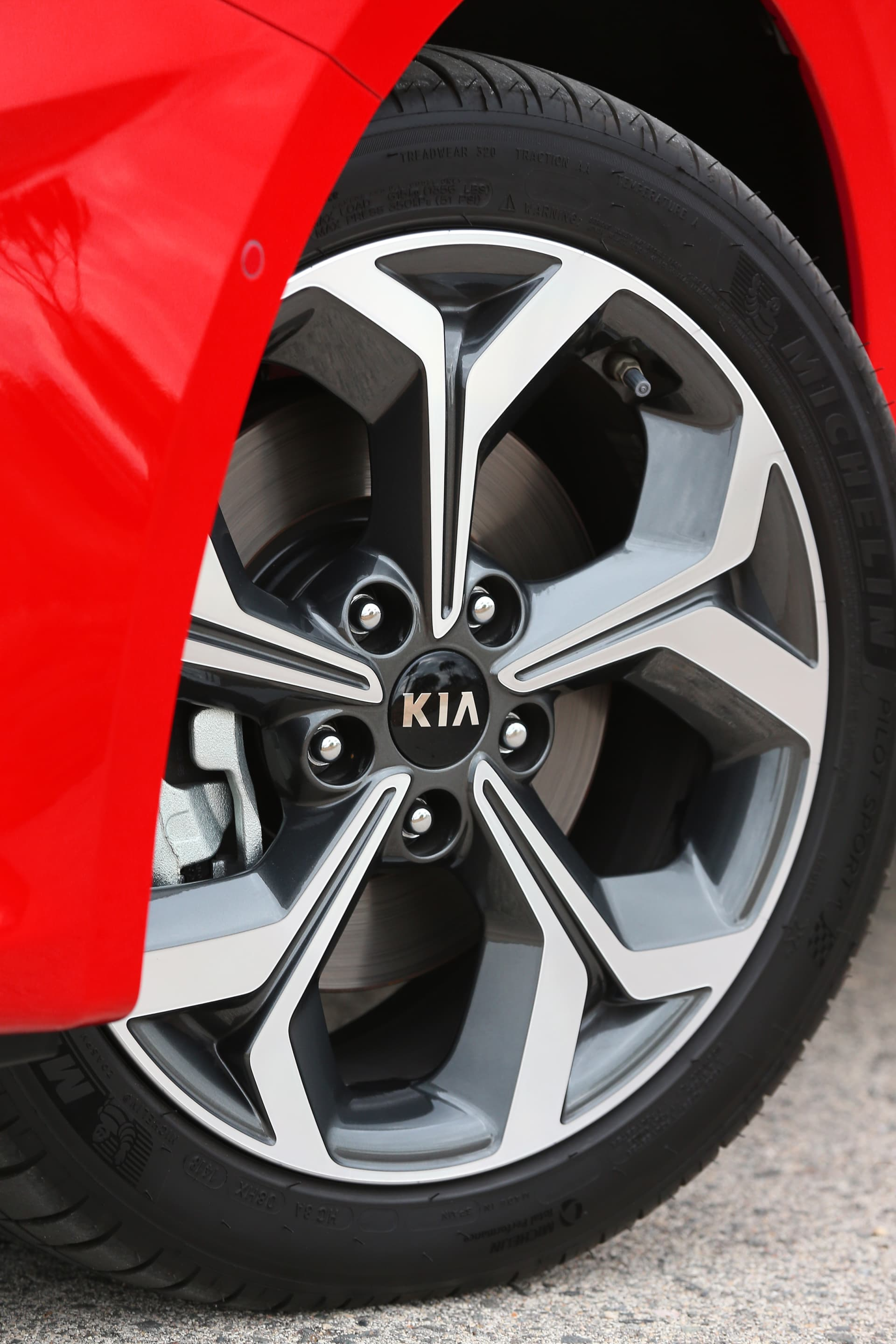 Kia Ceed 1 4 T Gdi 7 Dct Transmission 140hp Track Red 38