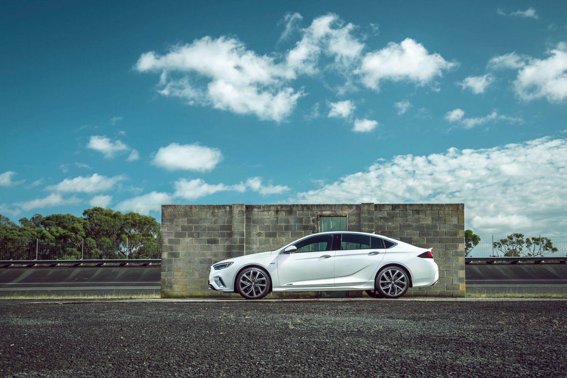 Opel Insignia V6 8