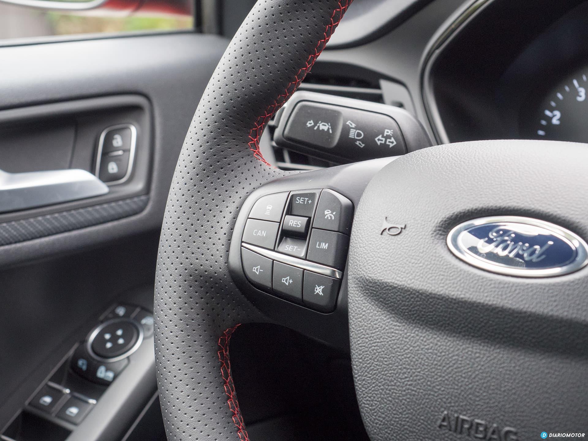 Ford Focus 2018 Interior 00009
