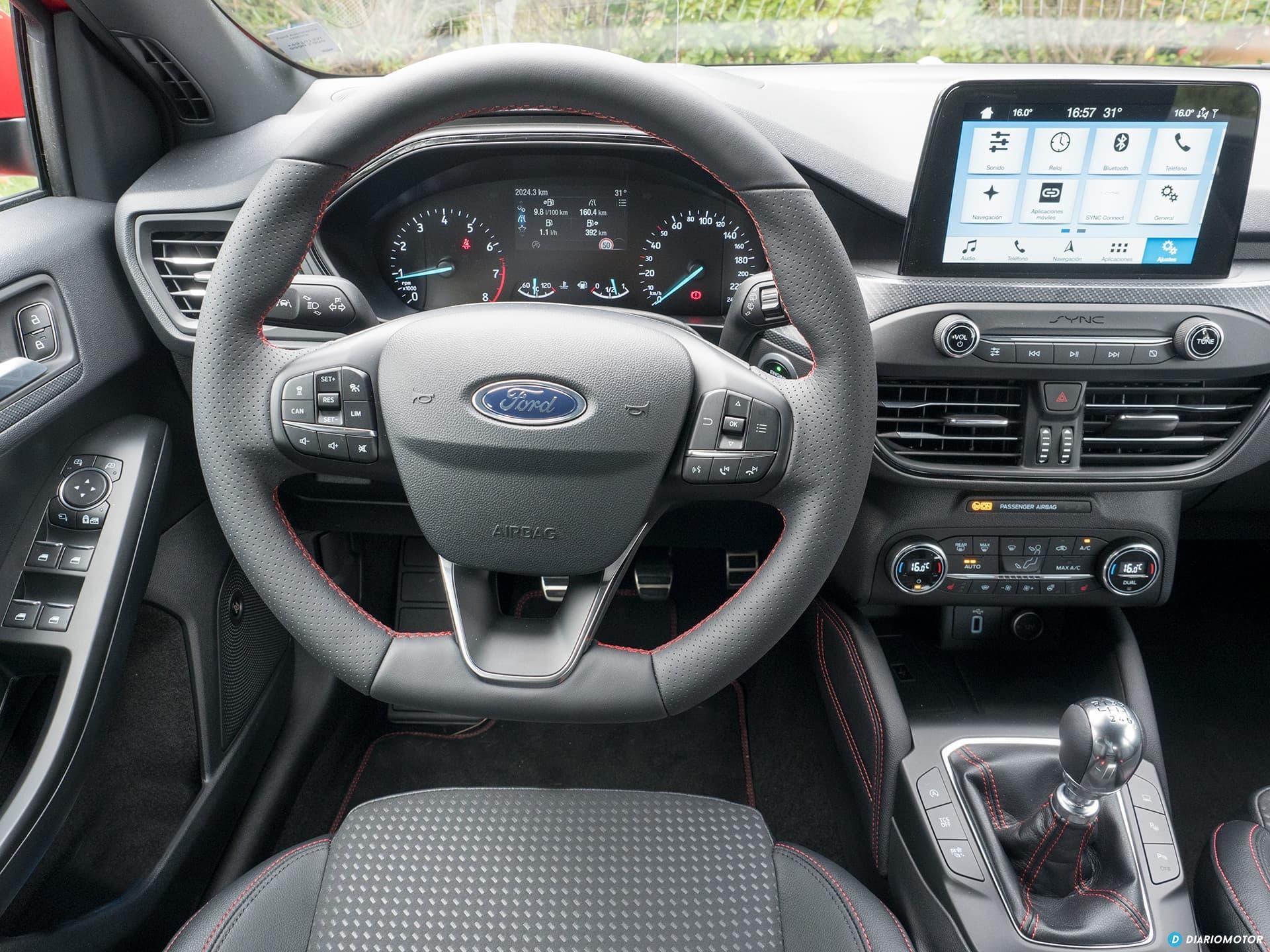 Ford Focus 2018 Interior 00010