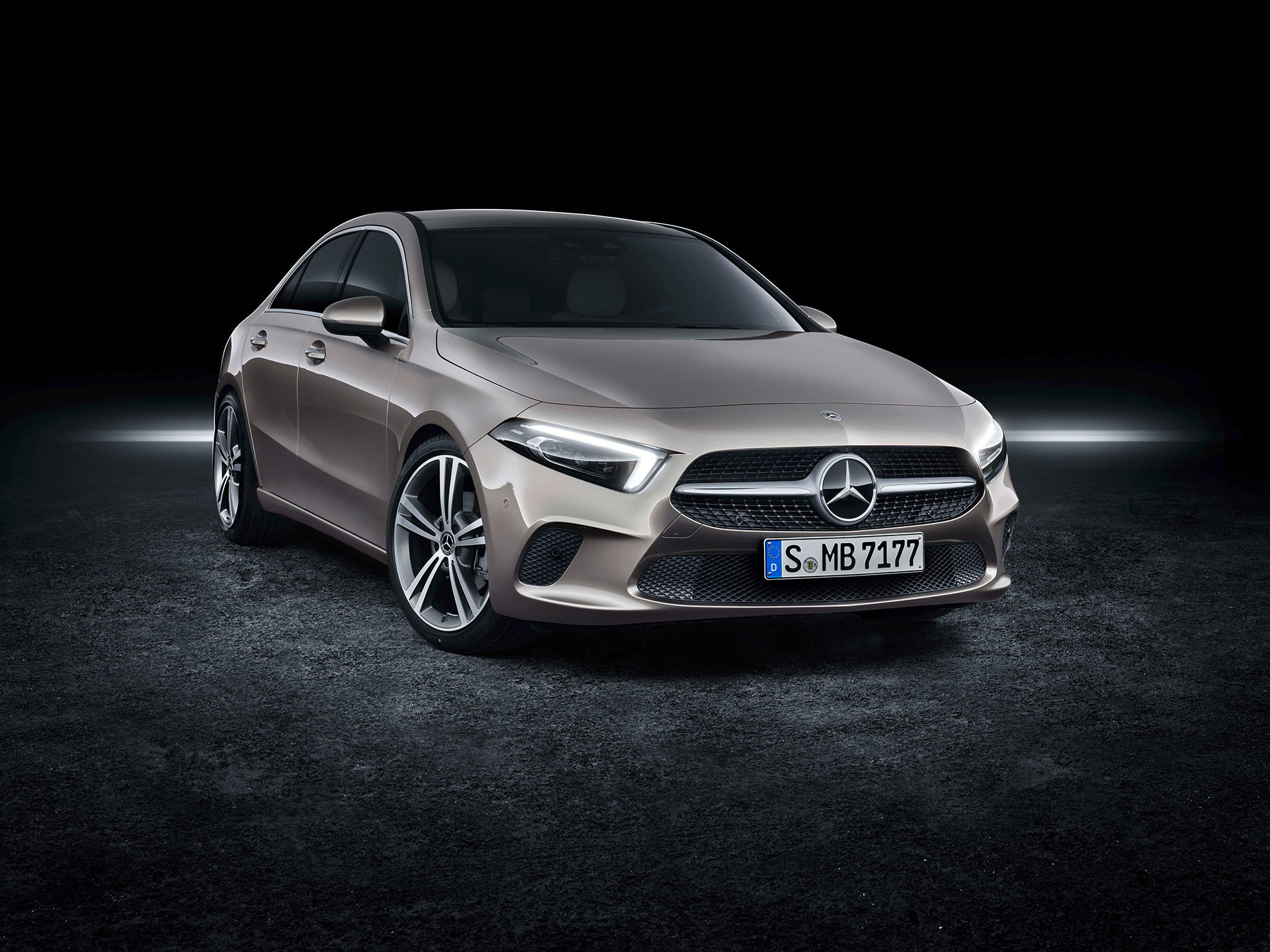 Mercedes Clase A Sedan 01